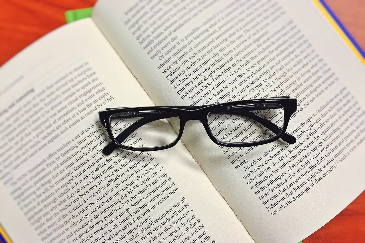 book-1176256_1280 (1)